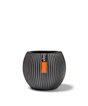 Vase boule groove 29x25 noir de Capi Europe - Cache et pot décoratifs design dans Pots en plastique